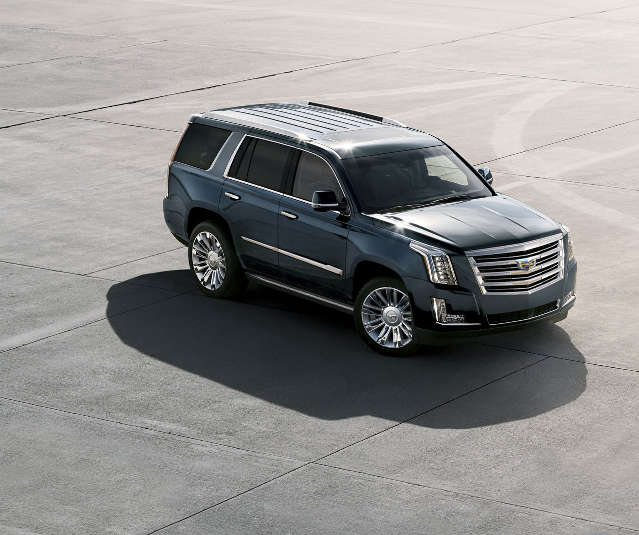 THE 2019 ESCALADE: REMARKABLY LIGHT ON ITS FEET